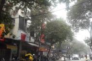 Bán nhà mặt phố Đường Thành, DT 20 m2. Giá 9 tỷ
