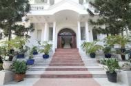 Cho thuê  villa mặt tiền Quốc Hương được thay đổi kết cấu nhà phù hợp làm trường học nhà hàng