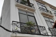 CỰC ĐẸP CỰC RẺ, bán nhà mới xây KĐT Thanh Hà Hà Đông, DT 35 m2 x 3 tầng, giá chỉ 950tr, sổ đỏ trao