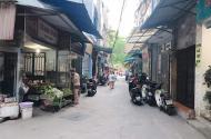 Bán nhà Phố Trung Văn 40m2 giá chỉ 2,5 tỷ - oto tránh gần nhà.