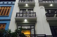 Phố Hồng Tiến, Ôtô 7 chỗ vào nhà, 5 tầng, Thang máy, Nhỉnh 7 tỷ.
