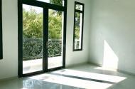 Cần bán nhà Hòe Thị, Phương Canh - vuông vắn, diện tích 31.9m2 - ô tô có thể đỗ cửa